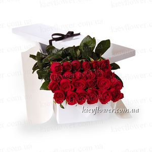 25 roses in a gift box ― Ukrflower - flower delivery